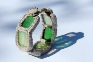 Bransoletka - ze szkła i lnu zielona