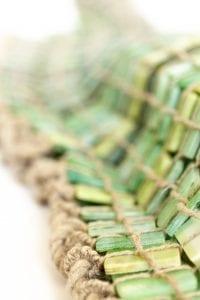 Szklana tunika z kolekcji Lumen de lumine, składająca się z 1000 szklanych elementów.