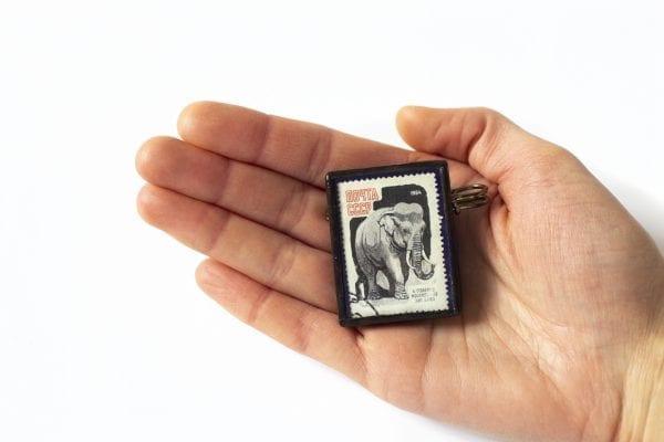 Dzikie Twory - wielkość broszki ze znaczkiem pocztowym słoń rosja