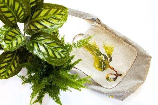 Dzikie Twory - lniana torba na zakupy z motywem palmy aranżacja